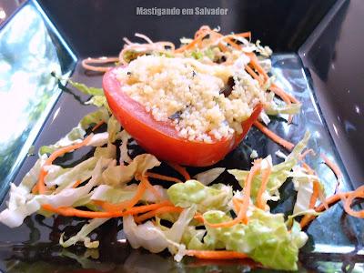 Erconalo Restaurante: Tomate Recehado com Cuscuz Marroquino Gratinado