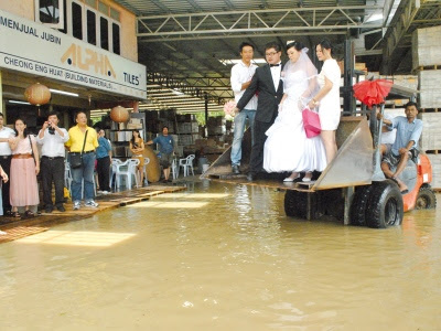Kahwin dalam banjir