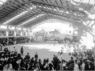 de 1 000 estudiantes de tres turnos el alcalde de sucre moises torres
