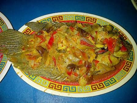 Resep serta Langkah Bikin Pecak Ikan Gurame Bumbu Kacang
