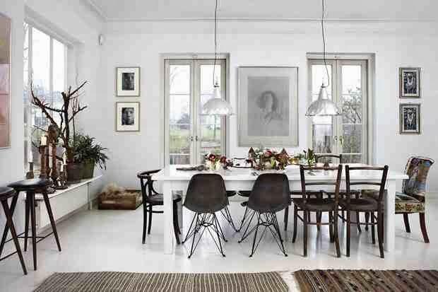 Świątecznie zaaranżowane skandynawskie wnętrze