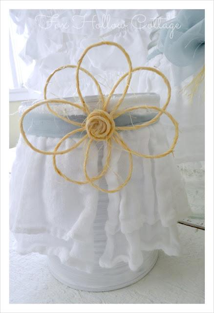 Tin Can Craft: jute twine flower - ruffled fabric accent - #tincan #craft #repurpose