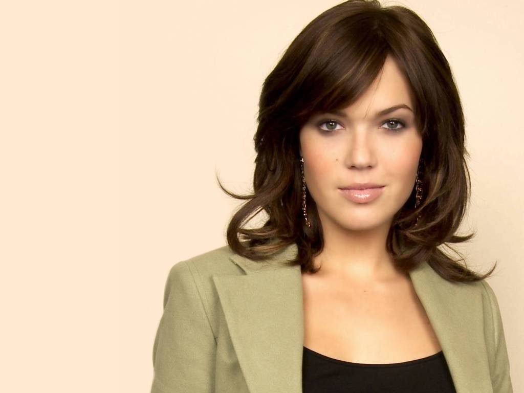 Mandy Moore Bio | Tops Style