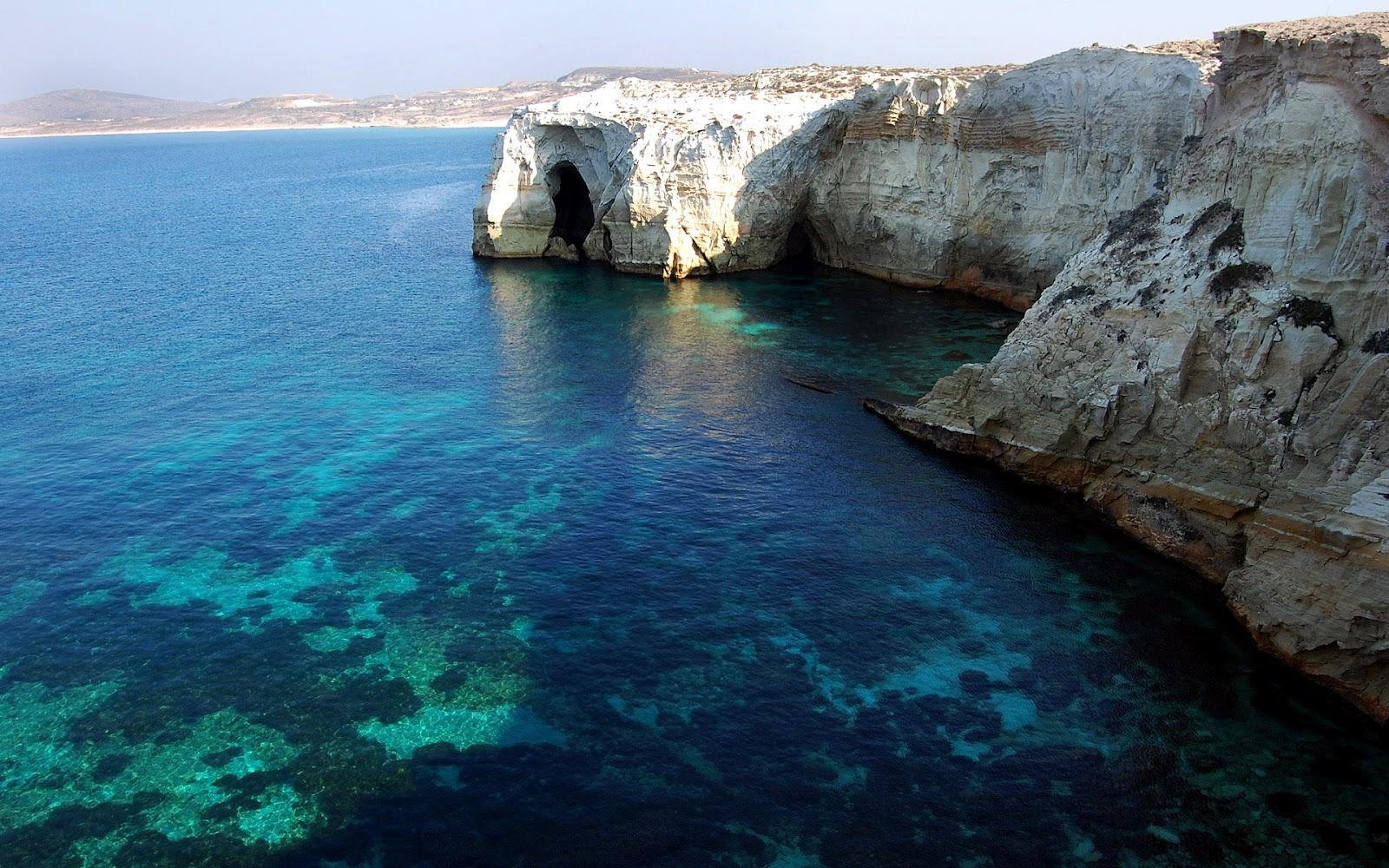 http://3.bp.blogspot.com/-Hi6bTEC99VQ/T4RWARSH8zI/AAAAAAAAA44/_IjsEaUKnac/s1600/wallpaper-152383_water-rocky-clear-greece.jpg