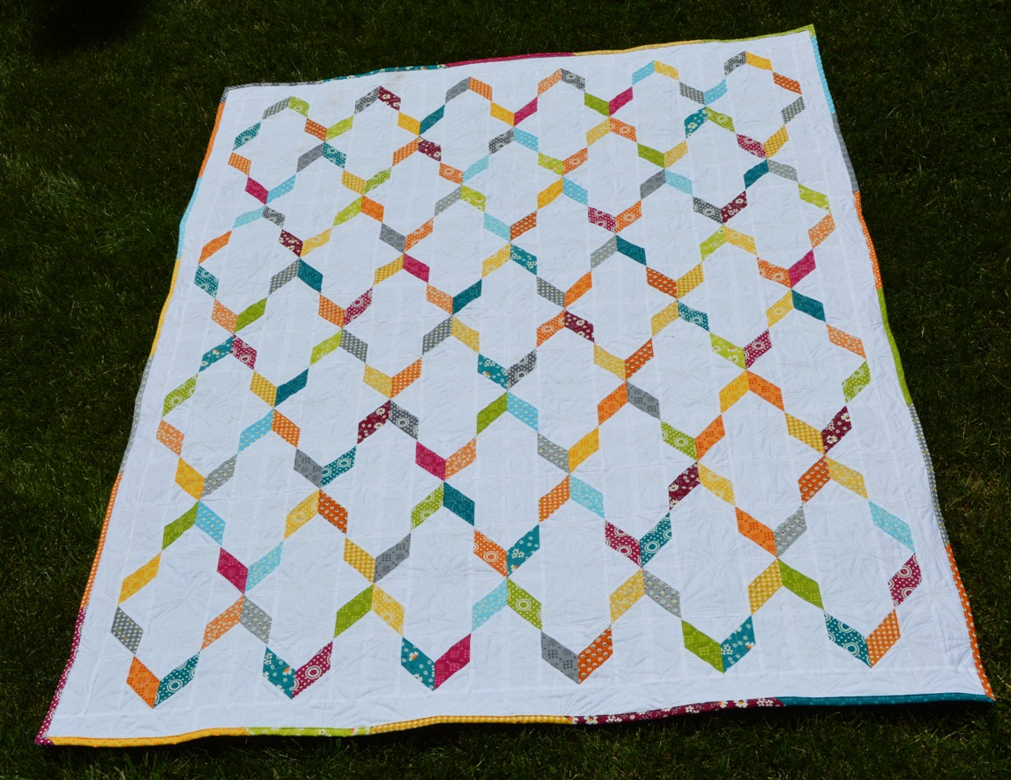 Happy Quilting: Streamers Quilt - Quilted Living Blog Hop : happy quilt - Adamdwight.com