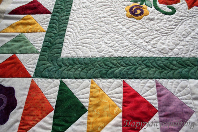 Happy Days Quilting Flying Geese Applique Quilt