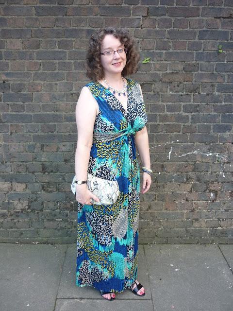 Tribal Print Maxi Dress & Snakeskin Clutch   Petite Silver Vixen