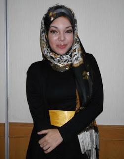 Contoh Model Hijab Modern Ala Dewi Sandra
