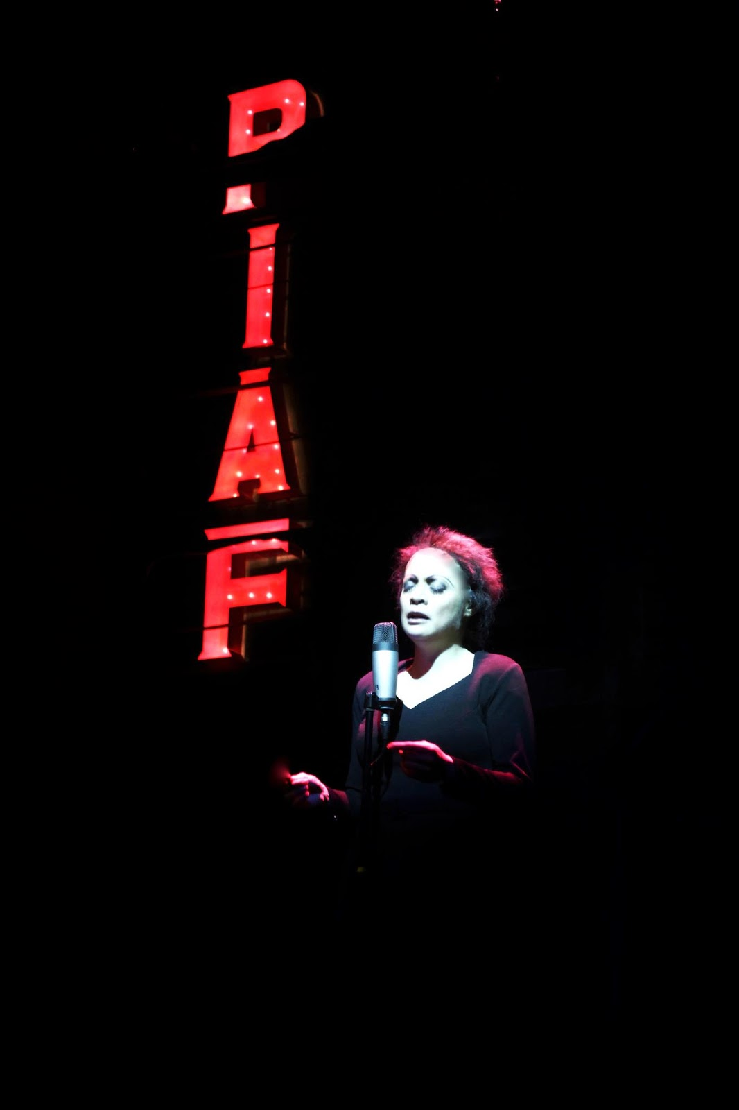 BWW Reviews: PIAF by Atlantis Productions