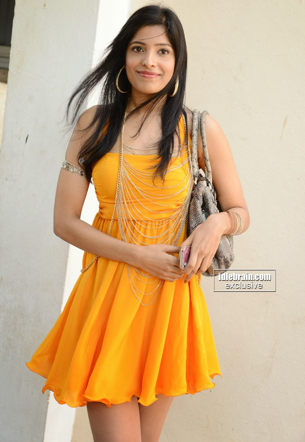 Pragathi Yadhati hot yellow