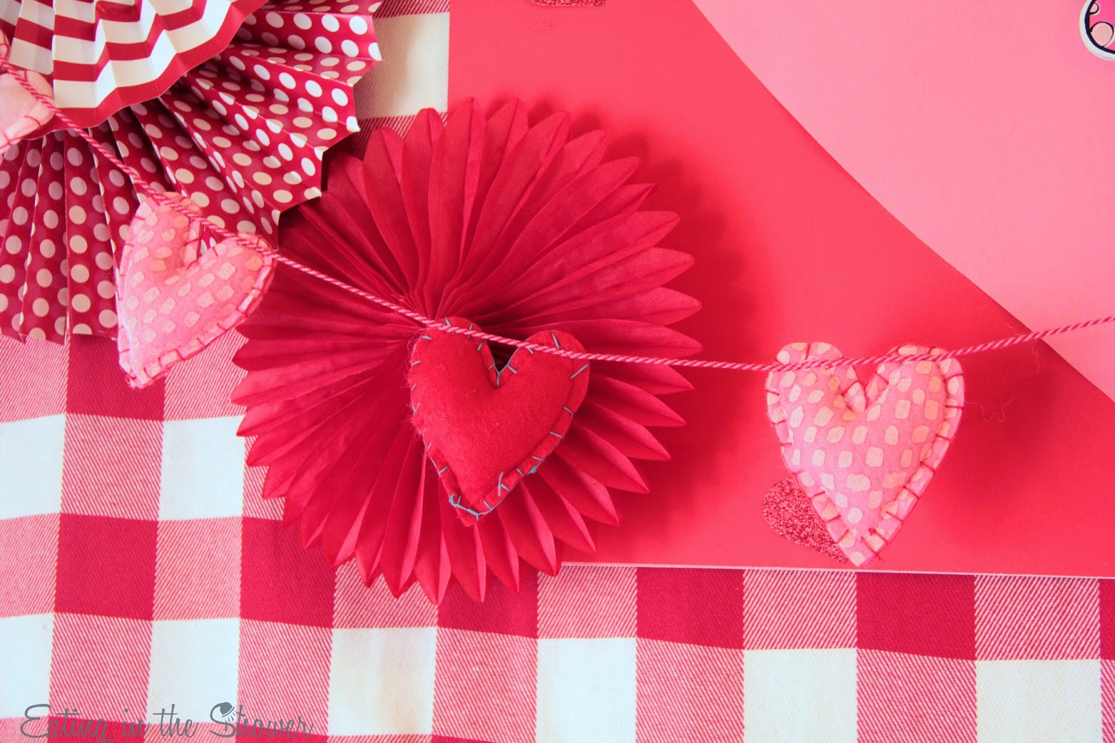Valentine's Day decorating with an adorable felt hearts garland