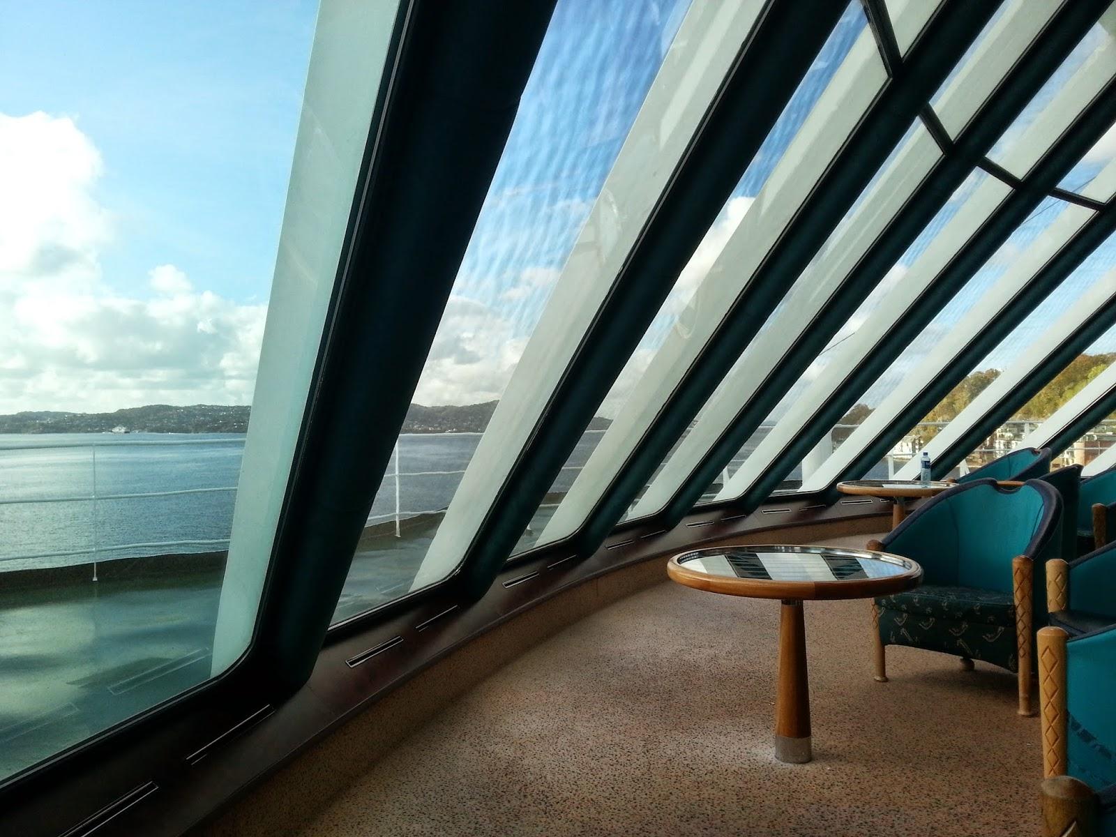 Hurtigruten MS Polarlys - Panorama Lounge