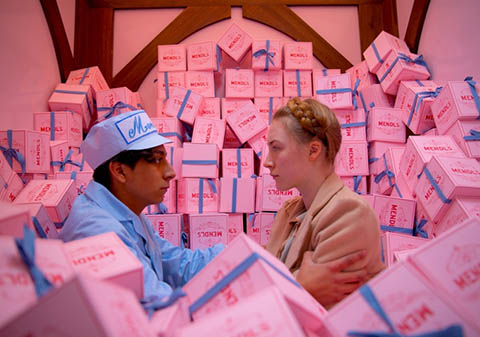 Tony Revolori and Saoirse Ronan in The Grand Budapest Hotel
