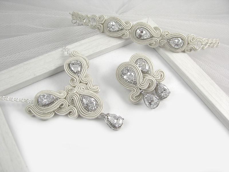 Naszyjnik, kolczyki i bransoletka ślubna sutasz z kryształami Swarovski.