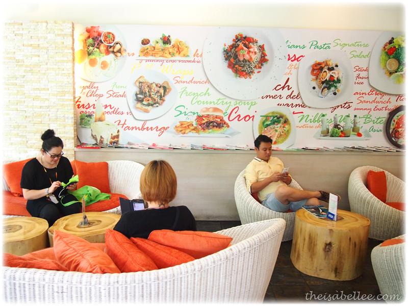 Signature Cafearo interior decoration