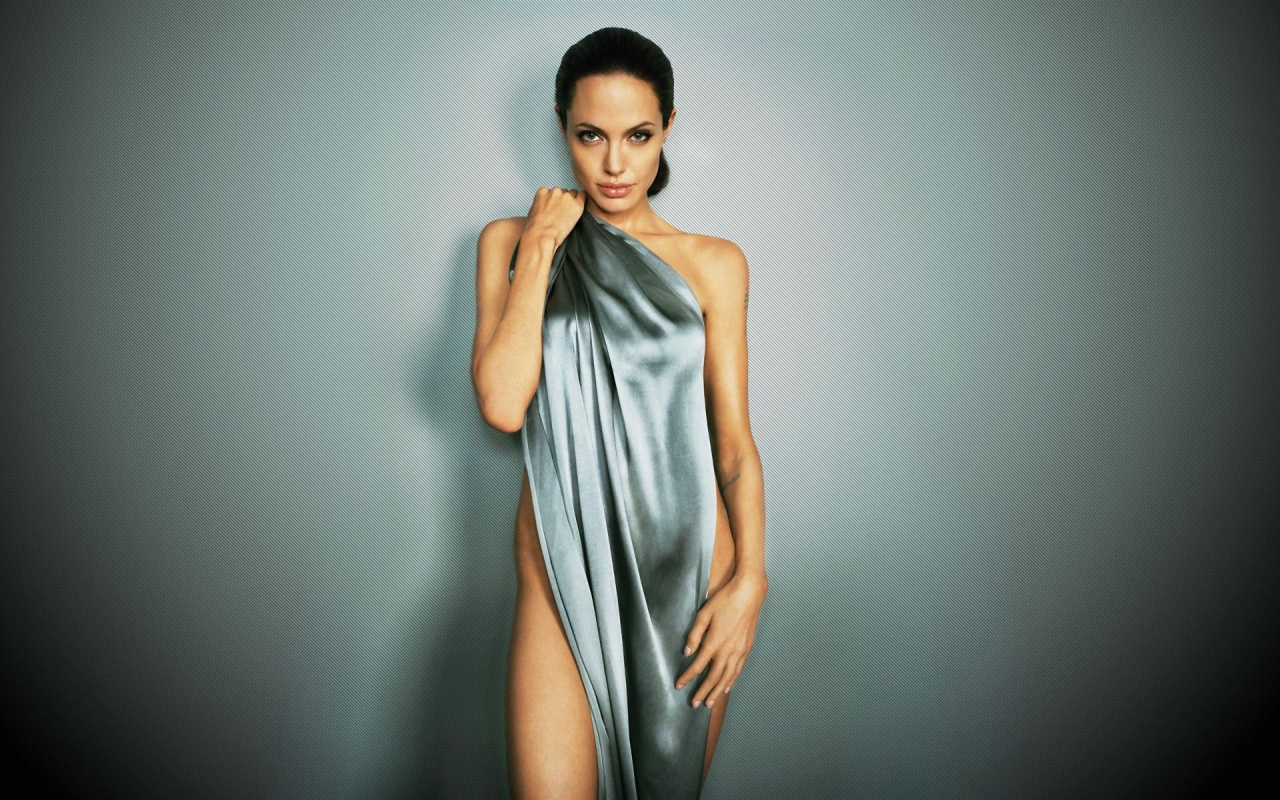 Angelina Jolie Images, Videos and Sexy