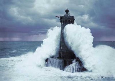 none the lighthouse keeper the big wave rh elinordewire blogspot com Waves Hitting Lighthouse Pier Storm Wave Lighthouse