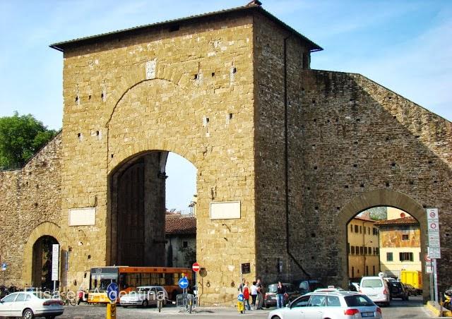 Antigua entrada a Florencia: Porta Romana, construida en 1326.
