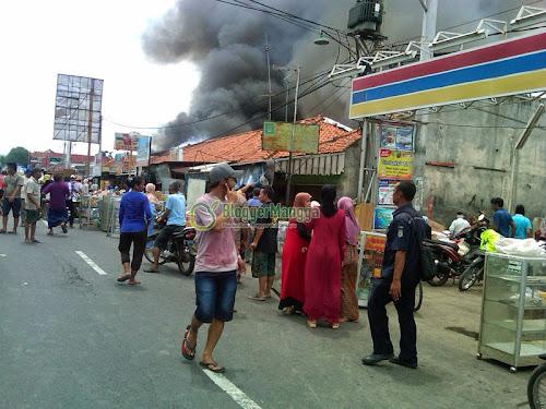 foto kebakaran pasar kertasemaya indramayu 1