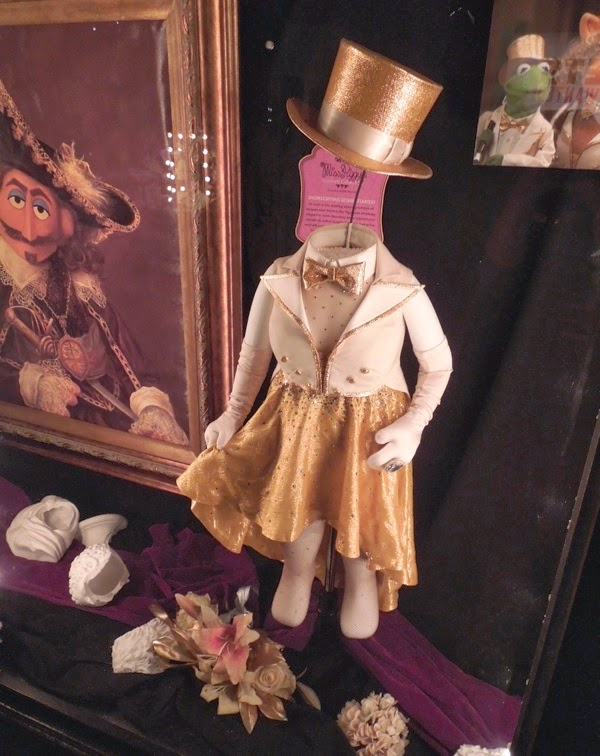 Original Miss Piggy opening number costume Muppets Most Wanted