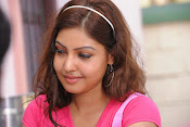 Komal Jha Glamorous Photos in Pink Top-thumbnail-5