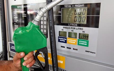 Governo prepara reajuste da gasolina.
