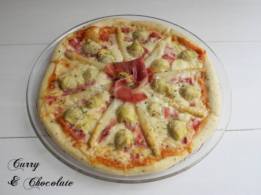 Pizza de alcachofas y espárragos blancos – Pizza with artichokes and white asparagus