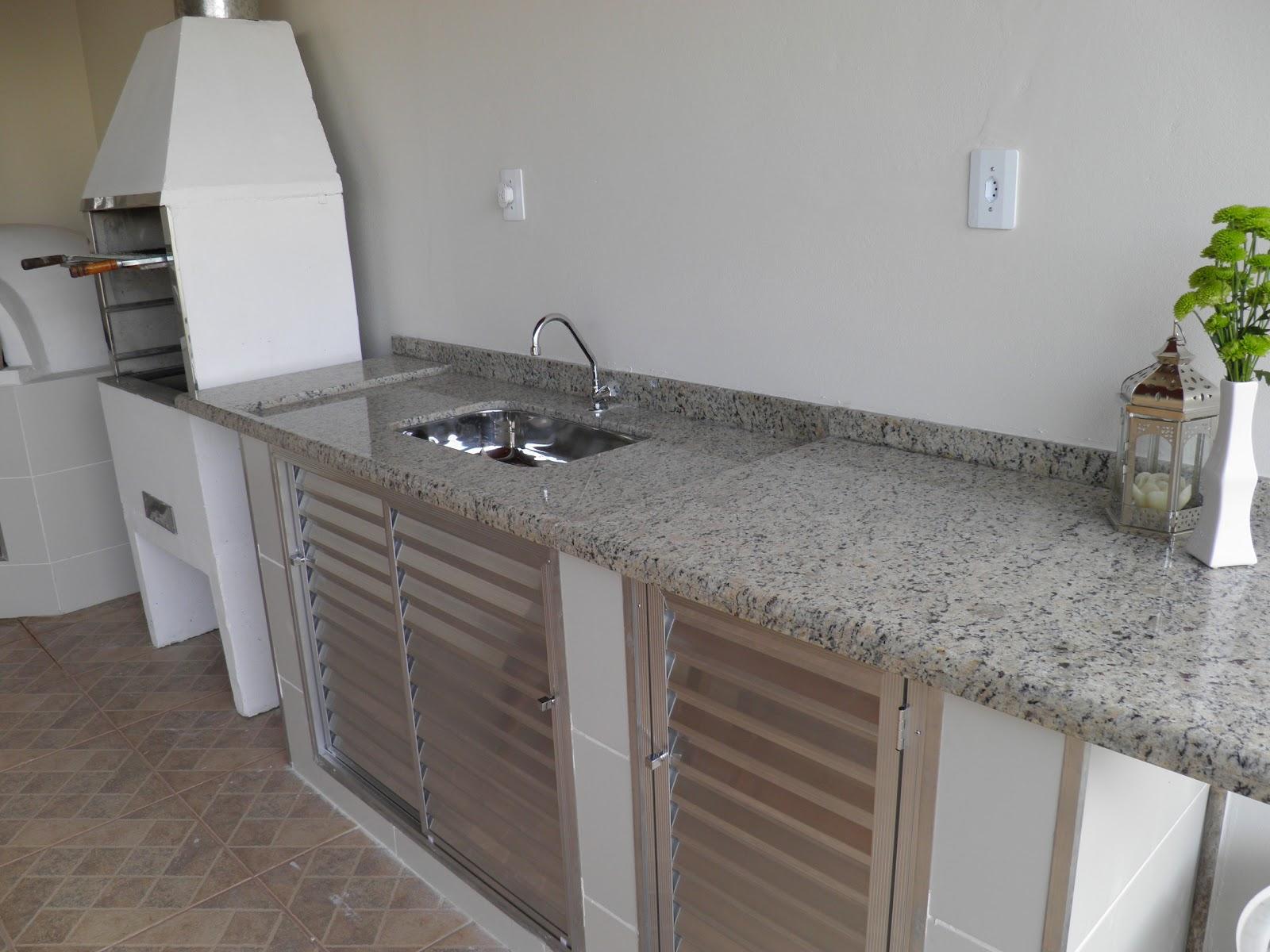 Imagens de #4D6418 pia. Repararam nas portinhas de alumínio? Solução barata pra quem  1600x1200 px 3104 Box Banheiro Aluminio