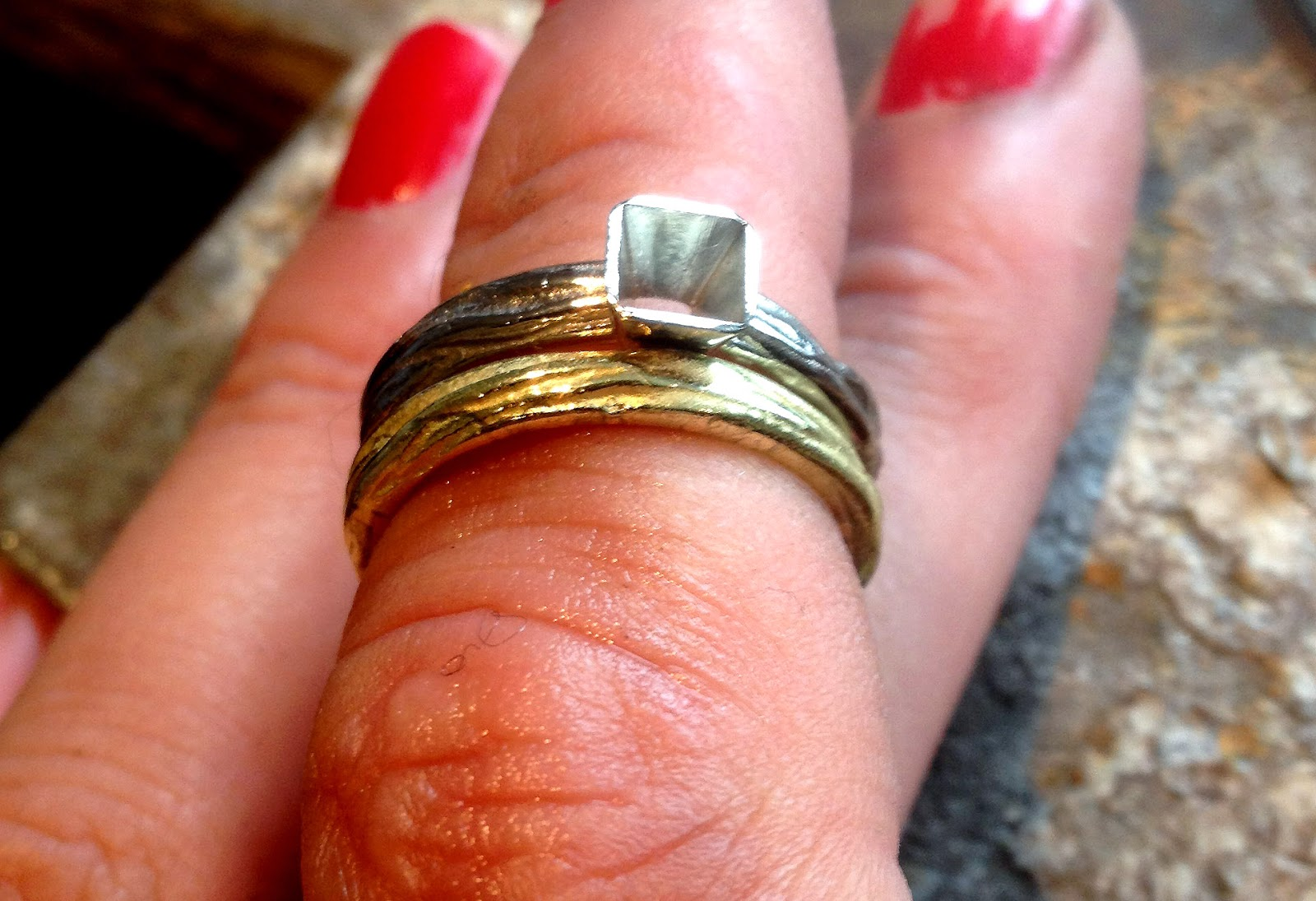 Alexandra Aurum: Making a 18ct white gold engagement ring with a 3.5 ...