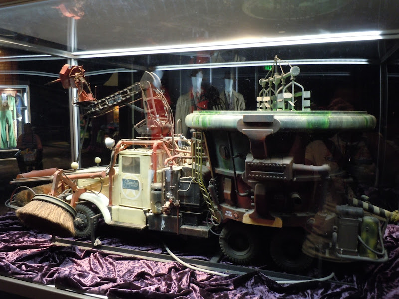 Costumes, props and models from Who Framed Roger Rabbit ...