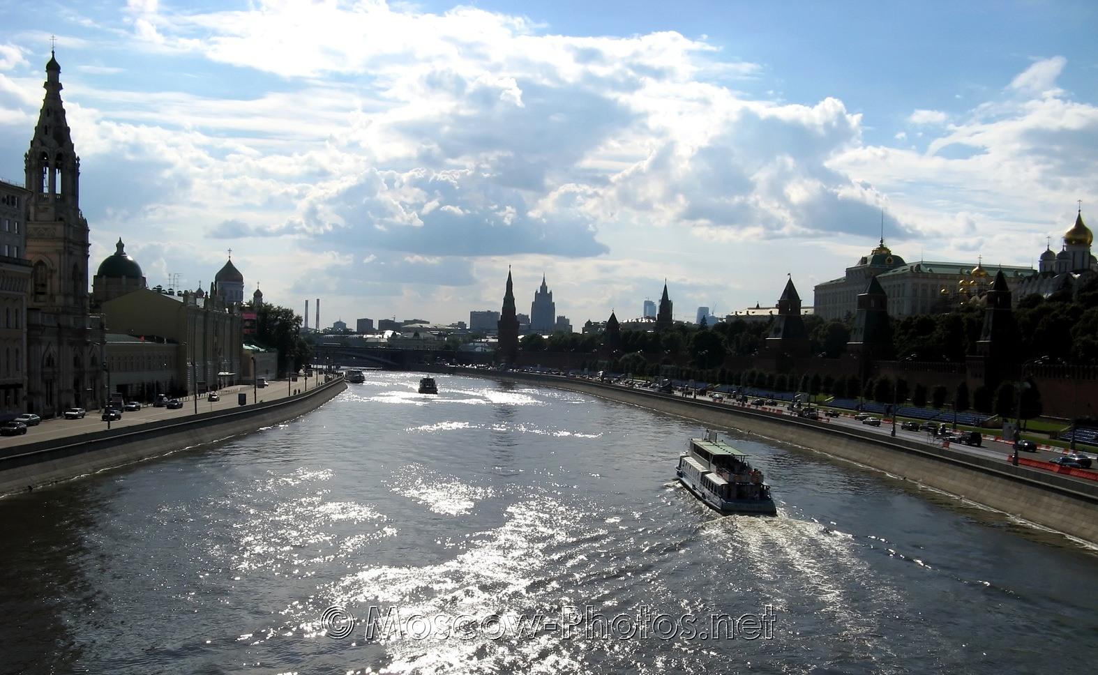 Moscow River. From Big Moskvoretsky Bridge.
