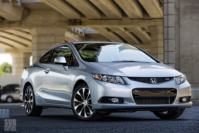 2013 Honda Civic Si coupe front 3/4 view