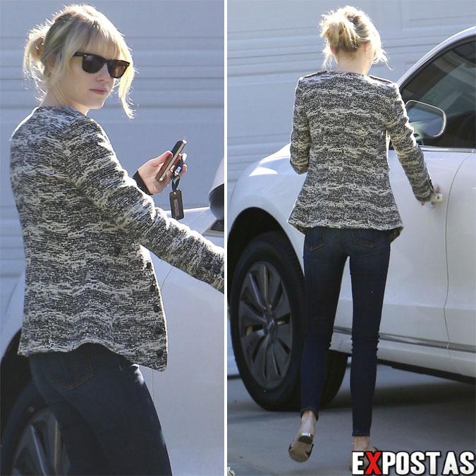 Emma Stone deixando a casa de um amigo em Studio City - 29 de Outubro de 2012