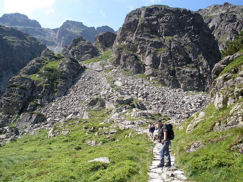 Przed wspinaczką na górne piętro Doliny Gąsienicowej.