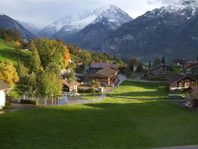vé máy bay đi Thụy Sĩ - Khung cảnh thơ mộng ở Thụy Sĩ