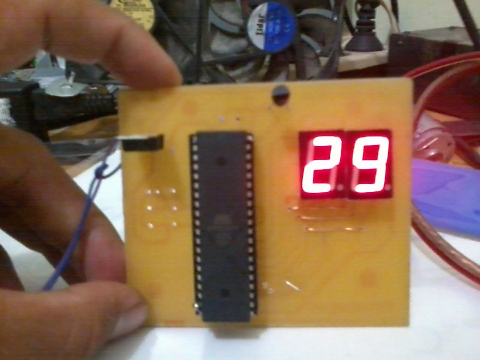 Membuat Thermometer Digital Sendiri Dengan AT Mega 16 dan
