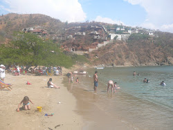 Playa Taganga, vertical lots behind, Santa Marta