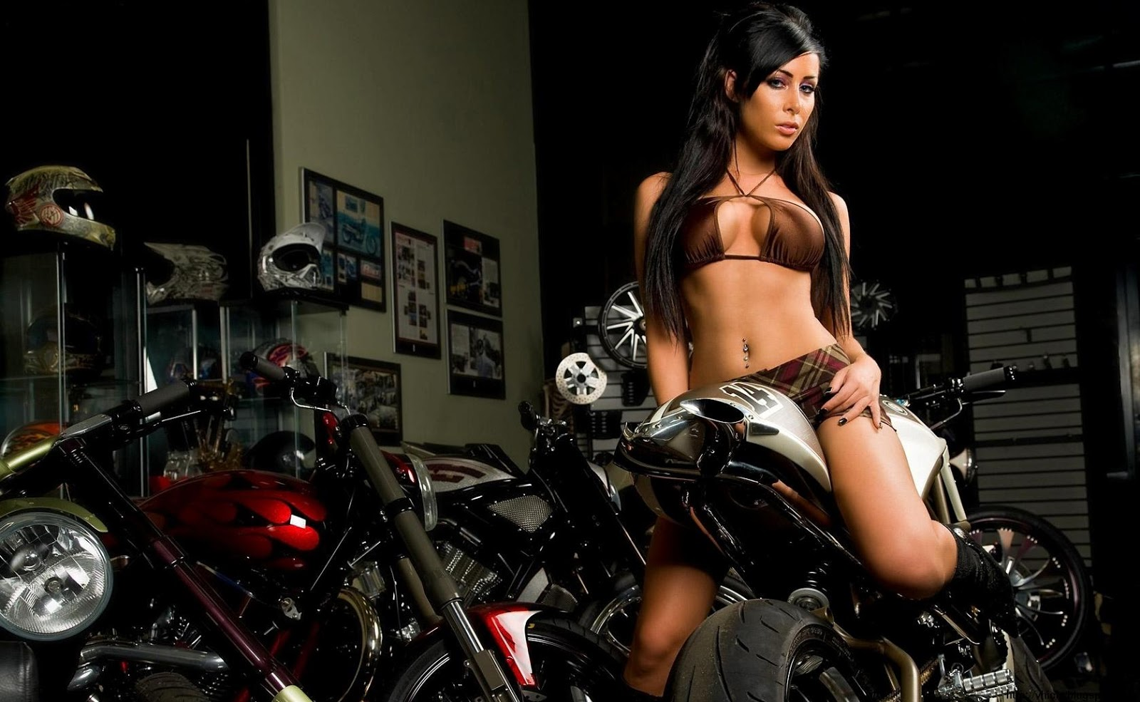 With Naked girl on hot motorbike join