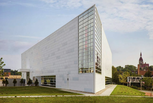 04-Museum-of-Wisconsin-Art-by-HGA-Architects-and-Engineers