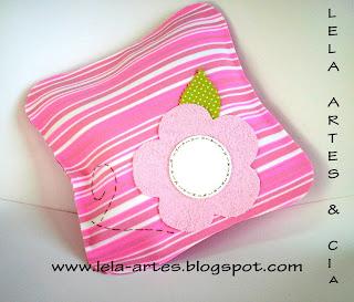 almofada para menina cor de rosa em eva