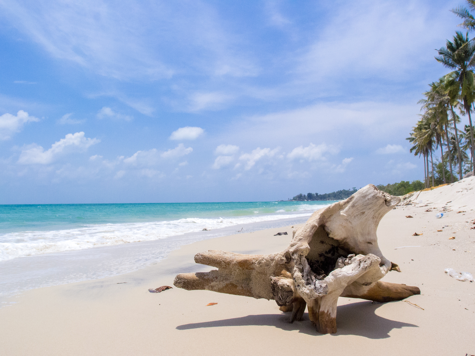 Pantai Matras Yang Putih Jelita Diaspora Iqbal