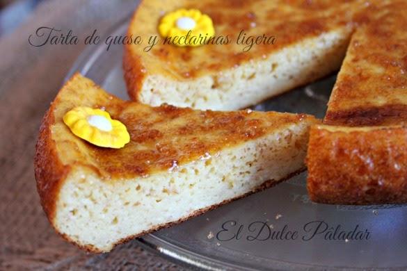 Tarta de queso y nectarinas ligera
