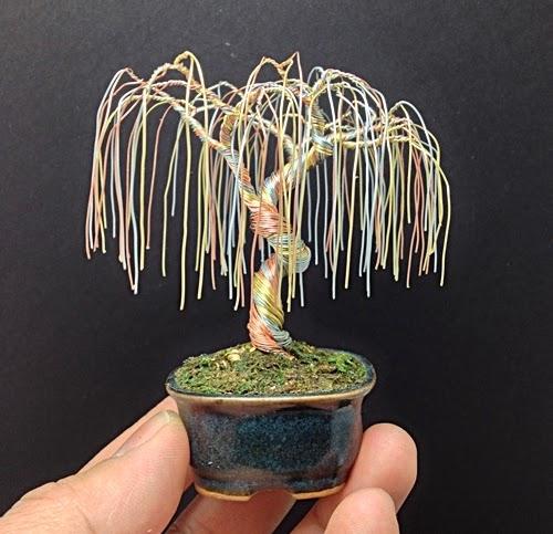 22-Ken-To-aka-KenToArt-Miniature-Wire-Bonsai-Tree-Sculptures-www-designstack-co