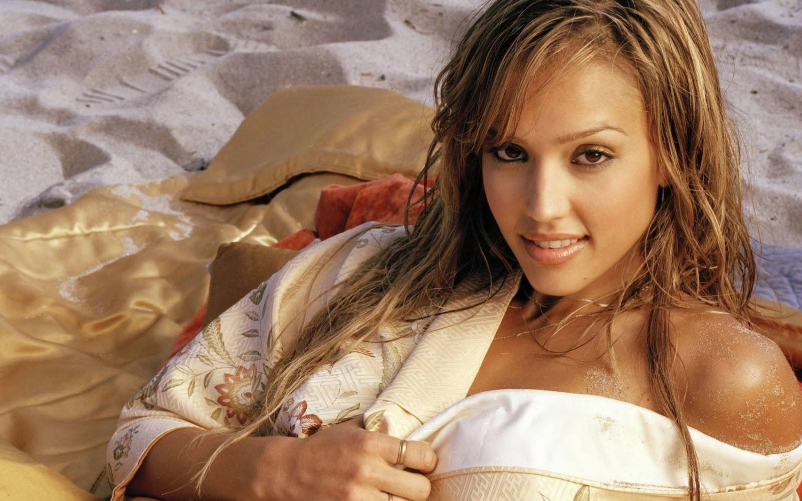Jessica Alba Sexiest Photos