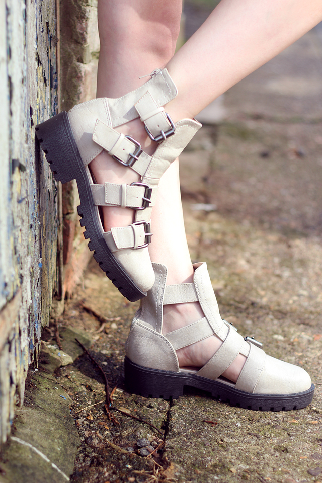 How to style cut out chunky boots