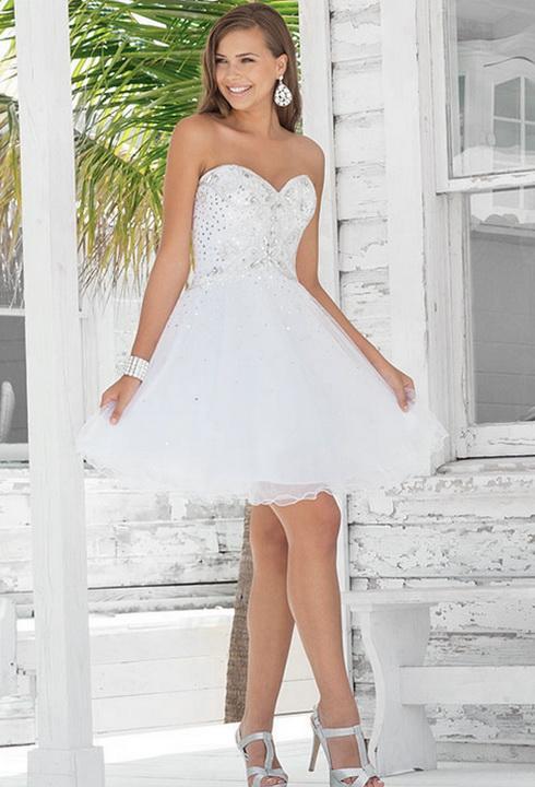 Ниже, на 50 фото можно посмотреть примеры модных в 2015 году коротких свадебных платьев