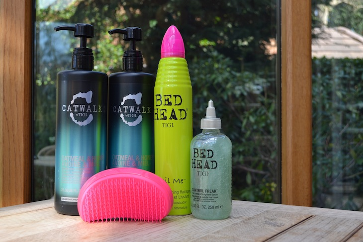 How to keep hair frizz free