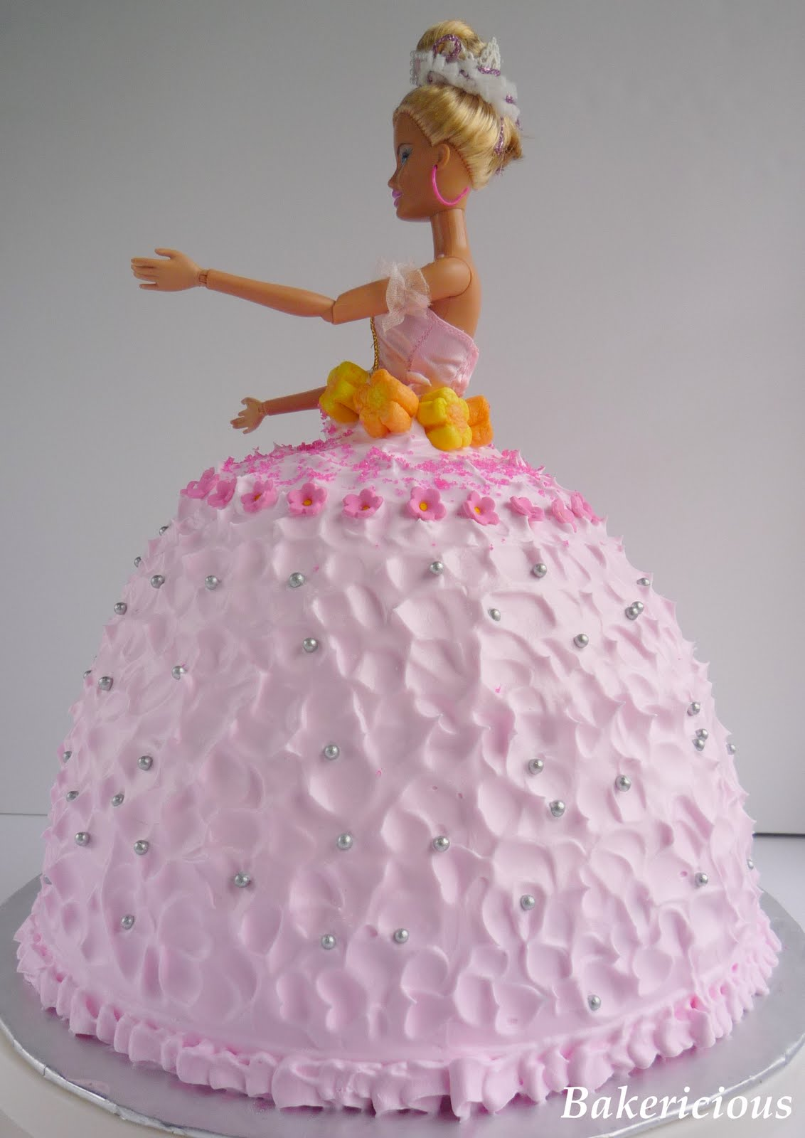 Birthday Cake Images Doll : Birthday Cake: Pink Barbie Birthday Cakes