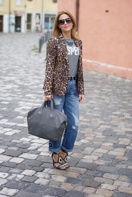 Zara leopard blazer, Givenchy grey Nightingale bag, Ash grey sandals, Asos boyfriend jeans, Fashion and Cookies, fashion blogger