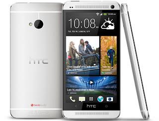 Actualmente la gama alta de los fabricantes más punteros está muy por delante y ya es habitual encontrarnos con pantallas con resolución FullHD y tamaños que rondan las cinco pulgadas. El Samsung Galaxy S4 y el HTC One son un claro ejemplo de esta nueva tendencia, ambos son considerados el buque insignia de sus respectivos fabricantes y pueden presumir de contar con la tecnología más avanzada del momento. El Samsung Galaxy S4 destaca sobre todo por sus funciones inteligentes mientras que la función estrella del HTC One es la innovadora cámara Ultrapixel. Analizamos sus diferencias en una comparativa.